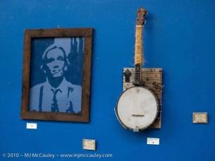 Screen and Banjo